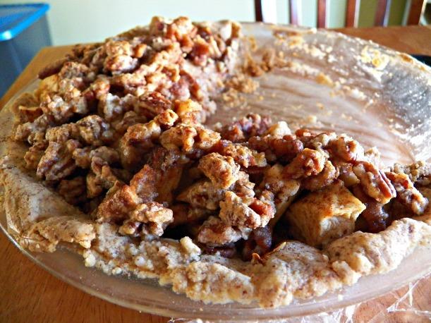Half Apple Crumble Pie